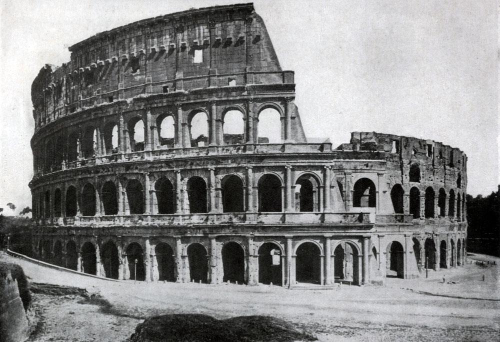 272. Колизей (амфитеатр Флавиев) в Риме. 75—82 гг. н. э. Общий вид.