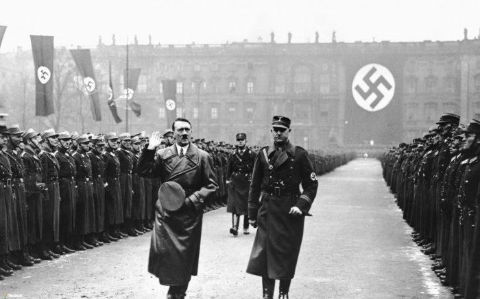 Постепенно в Европе и СССР начали отказываться от свастики из-за ее популярность у нацистов.  |Фото: forneo.net.
